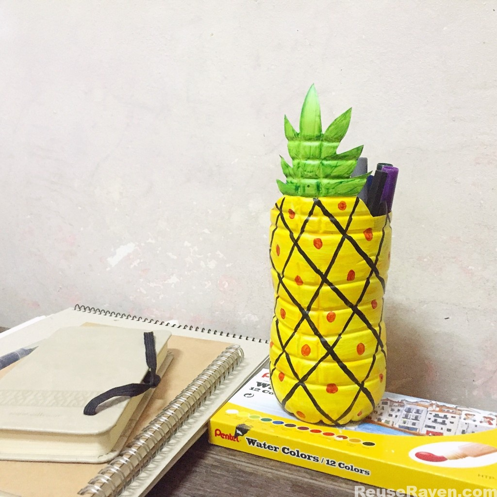 Make a Pineapple Pen Holder From a Plastic Bottle – ReuseRaven for Diy Plastic Bottle Pen Holder  55dqh